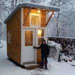 13-летний подросток построил на заднем дворе свой собственный мини-дом