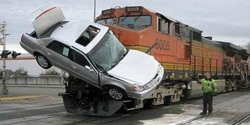 10 жутких катастроф с поездами, которые были сняты на камеру