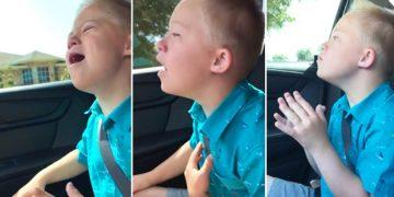 Папа снял на видео как поет его сын, у которого синдром Дауна. Этот ролик растопит Ваше сердце!