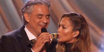 Сенсационный дуэт Андреа Бочелли и Дженнифер Лопес. Зал взвыл от восторга!