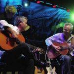 Вот что бывает, когда на сцене лучшие гитаристы мира. Их «Sultans Of Swing» можно слушать вечно!