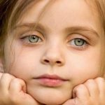 Девочку бросил папа, и вот что она сказала, когда узнала о его новой семье и детях