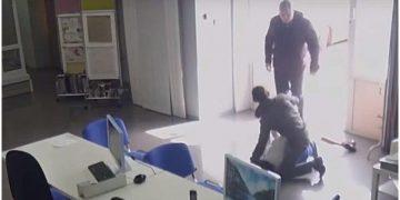 Случайный прохожий спас девушку, на которую напал насильник с ножом