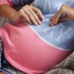 Девочке 17 лет, беременна, родители не знают что делать, и тут приезжает её избранник на Феррари