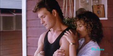 Самое эмоциональное видео из фильма «Грязные танцы». Поет Патрик Суэйзи!