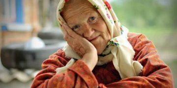 Бабуля воспитала детей и внуков а оказалась нужна только мне