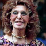 Софи Лорен – красивая бабушка: новые фото 83-летней актрисы