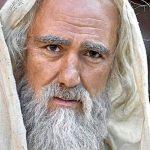 «Чем ниже человек душой, тем выше задирает нос. Он носом тянется туда, куда душою не дорос» – 20 лучших цитат Омара Хайяма.