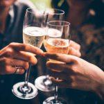 Ученые установили — нервным женщинам нужно пить шампанское ежедневно!