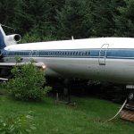Мужчина приобрел списанный самолет Boeing и сделал из него себе дом