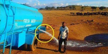 Этот мужчина несколько часов вез 3000 литров воды, чтобы вылить её на землю. Посмотрите, что произойдет, когда откроет кран