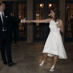 Первый танец на своей свадьбе она станцевала не с мужем, а с сыновьями